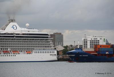 WMS GRONINGEN Passing MARINA Southampton PDM 04-08-2016 18-46-26