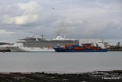 WMS GRONINGEN Passing MARINA Southampton PDM 04-08-2016 18-46-46