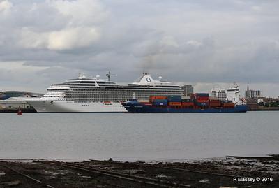 WMS GRONINGEN Passing MARINA Southampton PDM 04-08-2016 18-46-50