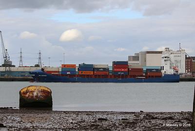 WMS GRONINGEN Arriving Southampton PDM 04-08-2016 18-49-25