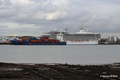 WMS GRONINGEN Passing MARINA Southampton PDM 04-08-2016 18-47-35