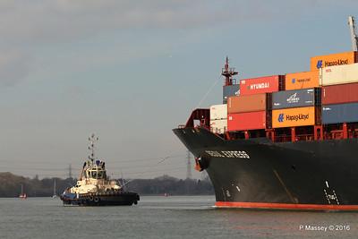 SVITZER ESTON SEOUL EXPRESS Arriving Southampton PDM 24-02-2016 11-28-09