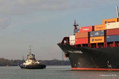 SVITZER ESTON SEOUL EXPRESS Arriving Southampton PDM 24-02-2016 11-28-010