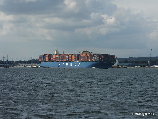 HYUNDAI AMBITION Departing Southampton PDM 20-07-2014 17-13-39