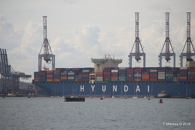 HYUNDAI PRIDE Arriving Southampton Container Terminal PDM 14-04-2016 16-19-29