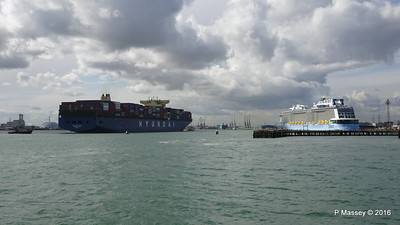 HYUNDAI PRIDE Passing OVATION OF THE SEAS Southampton PDM 14-04-2016 16-05-23