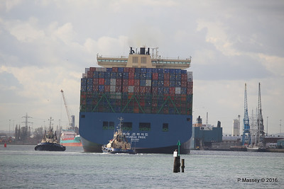 HYUNDAI PRIDE Arriving Southampton PDM 14-04-2016 16-08-26