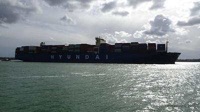 HYUNDAI PRIDE Arriving Southampton PDM 14-04-2016 16-01-36