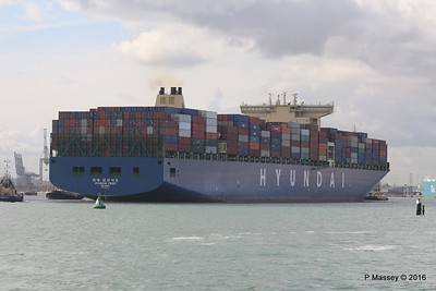 HYUNDAI PRIDE Arriving Southampton PDM 14-04-2016 16-06-26