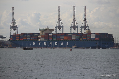 HYUNDAI PRIDE Arriving Southampton Container Terminal PDM 14-04-2016 16-19-24