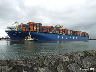 HYUNDAI TOGETHER Departing Southampton PDM 02-06-2014 16-10-23
