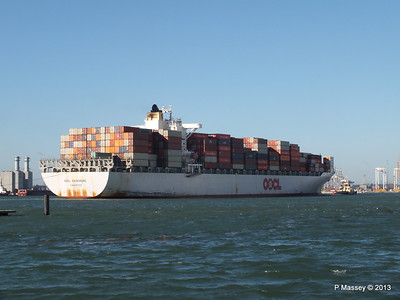 OOCL KAOHSIUNG Arriving Southampton PDM 04-11-2013 12-05-49