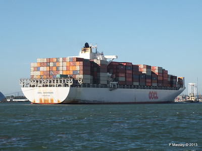 OOCL KAOHSIUNG Arriving Southampton PDM 04-11-2013 12-06-12
