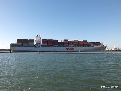 OOCL KAOHSIUNG Arriving Southampton PDM 04-11-2013 12-04-02