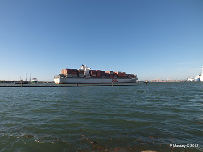 OOCL KAOHSIUNG Arriving Southampton PDM 04-11-2013 12-04-43