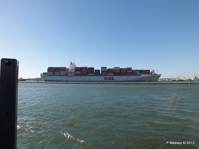 OOCL KAOHSIUNG Arriving Southampton PDM 04-11-2013 12-03-45