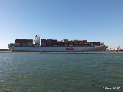 OOCL KAOHSIUNG Arriving Southampton PDM 04-11-2013 12-04-00