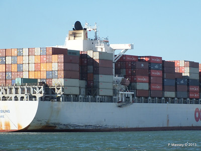 OOCL KAOHSIUNG Arriving Southampton PDM 04-11-2013 12-06-03