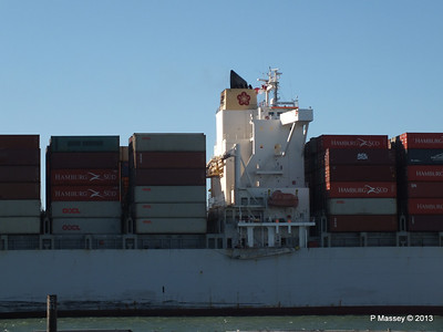 OOCL KAOHSIUNG Arriving Southampton PDM 04-11-2013 12-04-14
