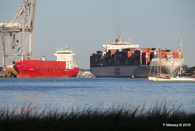 OOCL SOUTHAMPTON Departing MARNEDIJK Southampton PDM 26-08-2016 19-29-47