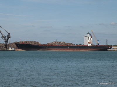 QINGDAO TOWER berth 109 Southampton PDM 01-06-2013 14-57-31
