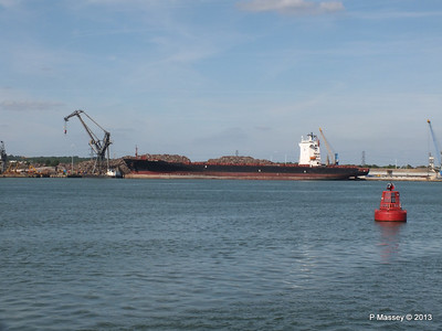 QINGDAO TOWER berth 109 Southampton PDM 01-06-2013 16-55-58