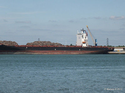 QINGDAO TOWER berth 109 Southampton PDM 01-06-2013 14-57-15