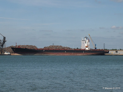 QINGDAO TOWER berth 109 Southampton PDM 01-06-2013 14-58-01