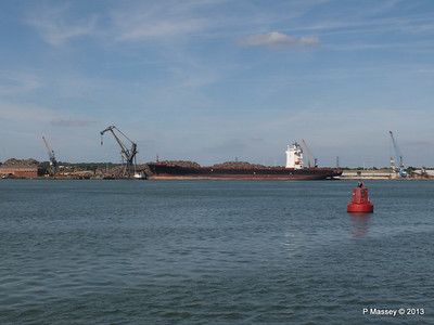 QINGDAO TOWER berth 109 Southampton PDM 01-06-2013 16-55-54