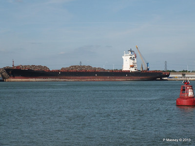 QINGDAO TOWER berth 109 Southampton PDM 01-06-2013 16-58-07
