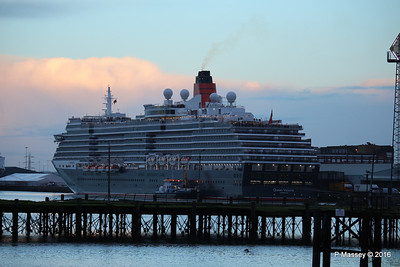 QUEEN VICTORIA over Royal Pier Southampton PDM 10-01-2016 08-31-18