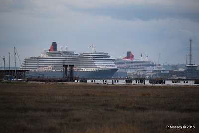 QUEEN VICTORIA Departing Passing QUEEN MARY 2 Southampton PDM 10-05-2016 17-37-26