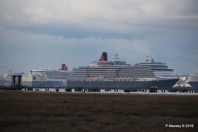 QUEEN VICTORIA Departing Passing QUEEN MARY 2 Southampton PDM 10-05-2016 17-38-43