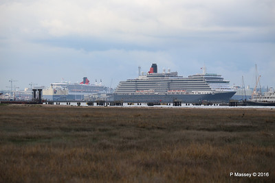 QUEEN VICTORIA Departing Passing QUEEN MARY 2 Southampton PDM 10-05-2016 17-38-58