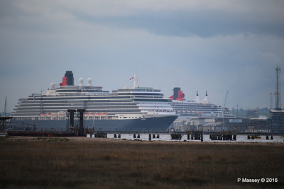 QUEEN VICTORIA Departing Passing QUEEN MARY 2 Southampton PDM 10-05-2016 17-37-34