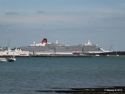QUEEN VICTORIA over Town Quay PDM 01-06-2013 15-28-54