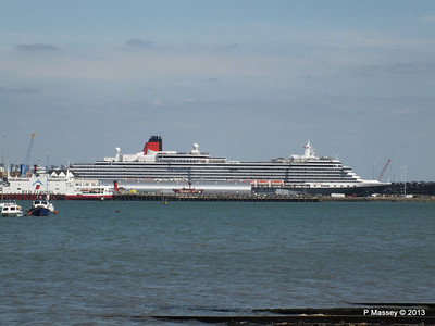 QUEEN VICTORIA over Town Quay PDM 01-06-2013 15-28-50