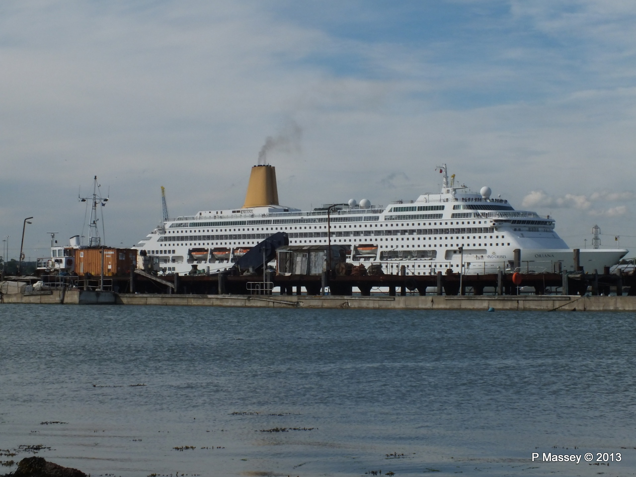 ORIANA over Husbands Jetty PDM 27-05-2013 17-04-18
