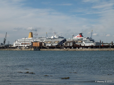 BALMORAL Passing ORIANA over Husbands Jetty PDM 27-05-2013 16-54-32