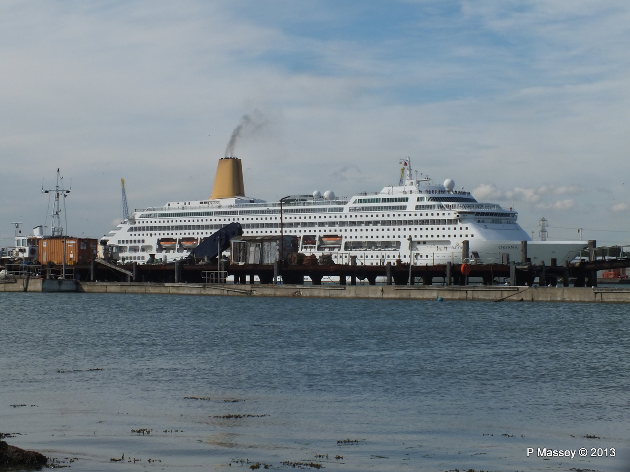 ORIANA over Husbands Jetty PDM 27-05-2013 17-04-21