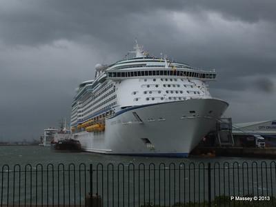 ADVENTURE OF THE SEAS Southampton PDM 24-05-2013 14-45-46