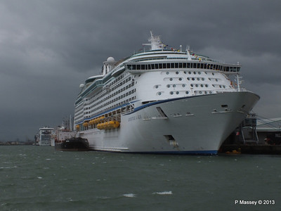 ADVENTURE OF THE SEAS Southampton PDM 24-05-2013 14-44-13