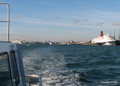QE2 QM2 Southampton PDM 10-10-2008 15-25-56