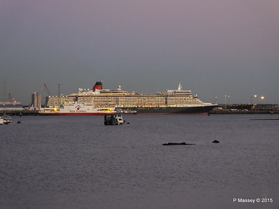 6 Jan 2015 QUEEN ELIZABETH Departing Southampton