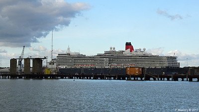 QUEEN ELIZABETH over Husbands Jetty Southampton PDM 08-10-2017 15-08-43