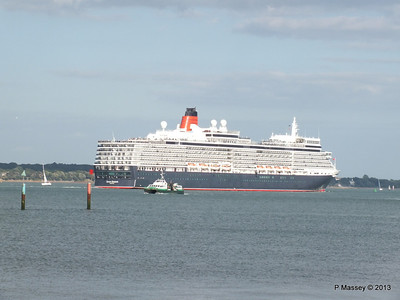 QUEEN ELIZABETH Departing Southampton PDM 10-08-2013 17-58-38