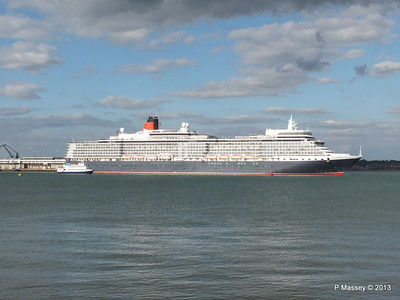 QUEEN ELIZABETH Departing Southampton OCEAN SCENE PDM 10-08-2013 17-51-47