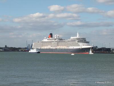 QUEEN ELIZABETH Departing Southampton OCEAN SCENE PDM 10-08-2013 17-49-24