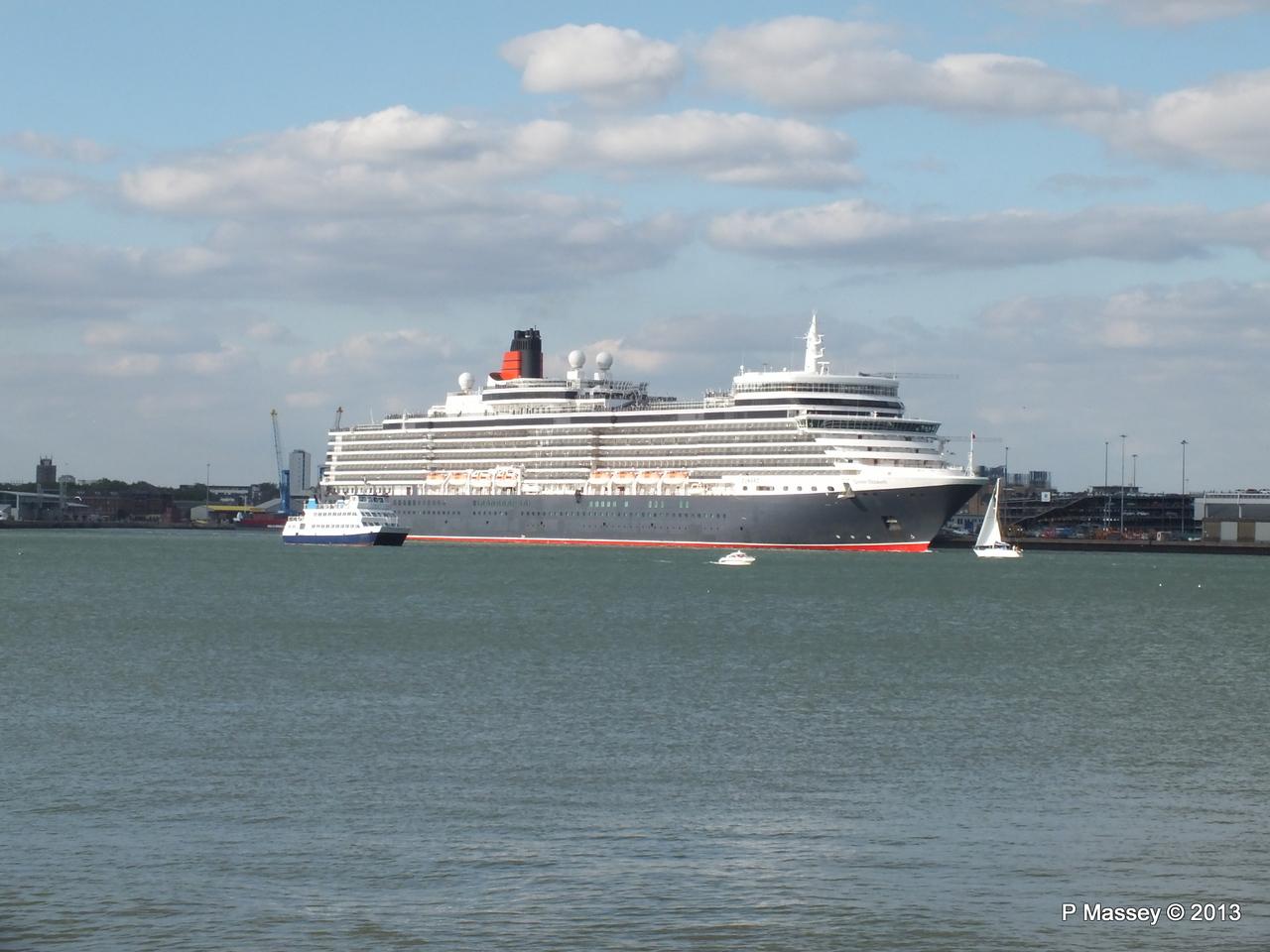 QUEEN ELIZABETH Departing Southampton OCEAN SCENE PDM 10-08-2013 17-49-21