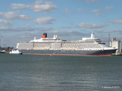 QUEEN ELIZABETH Departing Southampton OCEAN SCENE PDM 10-08-2013 17-50-52